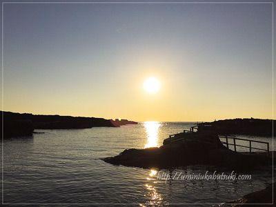 長津呂の磯に沈む夕日