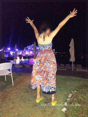 サマードレスが約300円。デザインも品質もいいのに、町中のモールに比べてかなり安価。