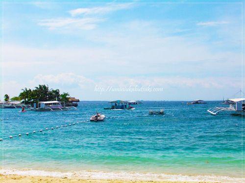 セブ島マクタン島沖が見渡せる『セブ ホワイト サンズ リゾート アンド スパ』のビーチ