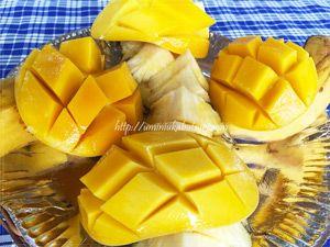 フルーツ天国のフィリピンらしいマンゴーとパイナップルの盛り合わせが食後のランチについてくる
