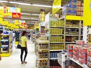 フィリピンはどこのスーパーに行っても、陳列がとても丁寧。