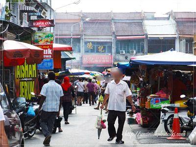 地元スーパーやマーケット市場などには、濃厚なその国の文化が凝縮されていている。