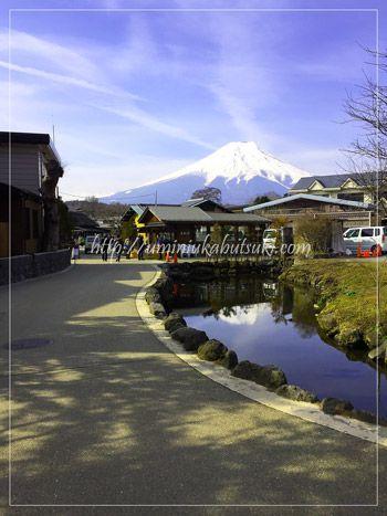 富士山が映り込む七番霊場の鏡池