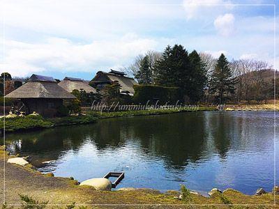 榛の木林民族資料館の敷地では、忍野八海一の絶景の写真が撮れることでも有名。