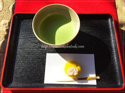 季節の和菓子を楽しめる六義園吹上茶屋のお抹茶セット。