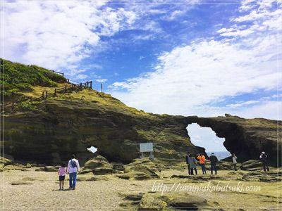観光客がまばらな城ケ島の馬の背洞門