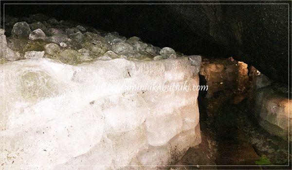 子供が本物の洞窟探検家気分になれる!富士山にある珍しい鳴沢氷穴とは?
