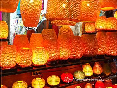 毎月旧暦の14日にあたる満月の夜にフルムーンフェスティバルが開催される
