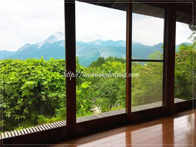 部屋の一面が窓になっているので大自然の景色を堪能できる