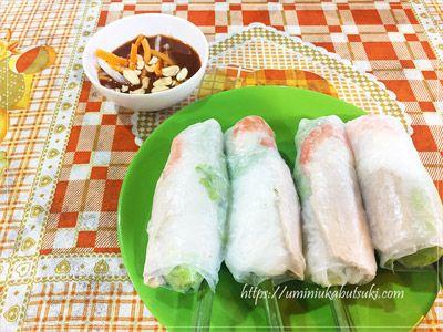 ベトナムホーチミンのベンタイン市場で食べられる本場生春巻き