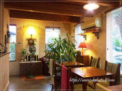 異国風に統一されたculture café Grandirの店内