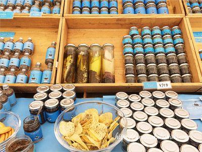 ファーマーズマーケットに並ぶスリランカ産の胡椒
