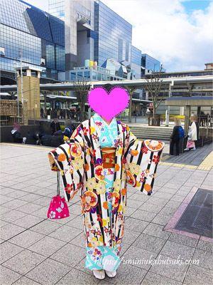 京都駅近くにある京都華かざりでレンタルした着物