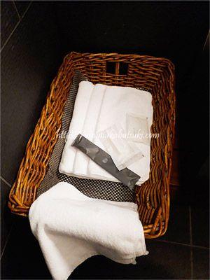 jalサクララウンジのシャワー室を利用するときにはフロントで歯ブラシなどを貰える