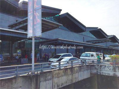 マニラ空港第3ターミナル出発ロビーへの入り口