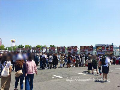 午後からは大混雑するgwのお台場肉フェス会場