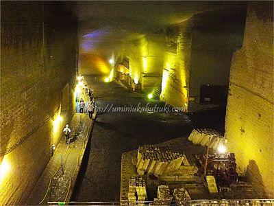 巨大な地下空間が神秘的だとして人気の、大谷資料館にある大谷石地下採掘場跡