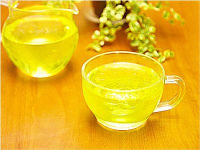 お医者さんは、一人の患者を診終わるごとにカテキン入りの緑茶を一口飲んで、インフルエンザの感染予防に努めている