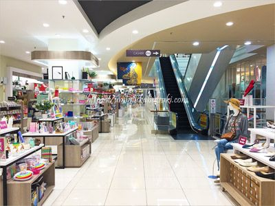 イオンの上階は安い文具や雑貨と洋服が豊富