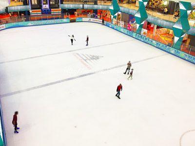 サンウェイピラミッドショッピングセンターの中にあるマレーシア最大級のスケート場