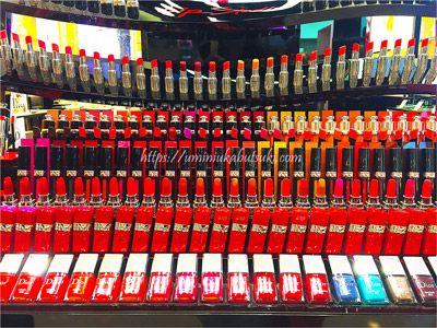 クリスチャンディオール(Christian Dior)の店頭に並ぶ豊富な色のルージュ