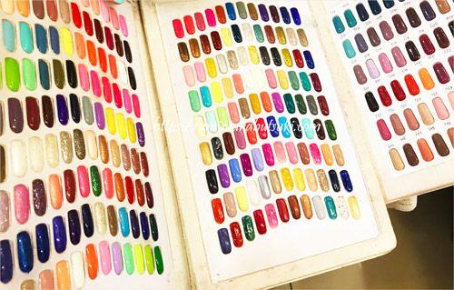 安いネイルサロンAI Nailに用意されているネイルのカラー表