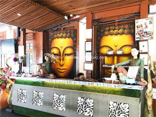 クアラルンプールのブキッビンタンでひときわ目立っているトロピカルスパ(The Tropical Spa Sdn Bhd)の受け付け